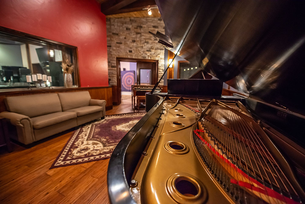 studio a piano room