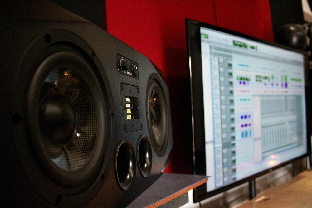 Studio C-4